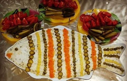Photo of تزیین سالاد به شکل ماهی + تزیین سالاد فصل و سالاد الویه شبیه به ماهی