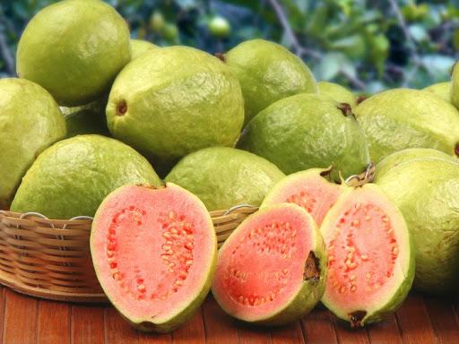 Photo of خواص گواوا + فواید خوردن این میوه محلی خوشمزه برای سلامت