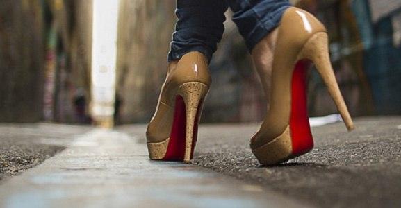 کاهش و رفع صدای کفش پاشنه بلند