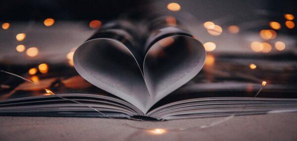 5 شعر زیبا که با خواندن آنها شور و اشتیاق در وجودتان نقش خواهد بست