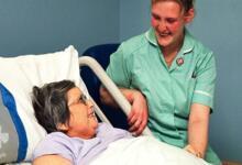 Photo of بهیار در منزل | مجموعه خدمات درمانی و پرستاری هوم کا