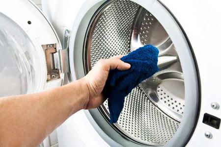 رفع بوی بد ماشین لباسشویی با چند روش و توصیه کاربردی