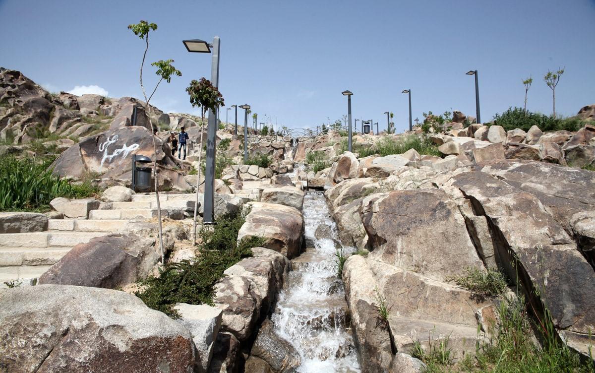 قیمت روز تور مشهد در بهار 1400