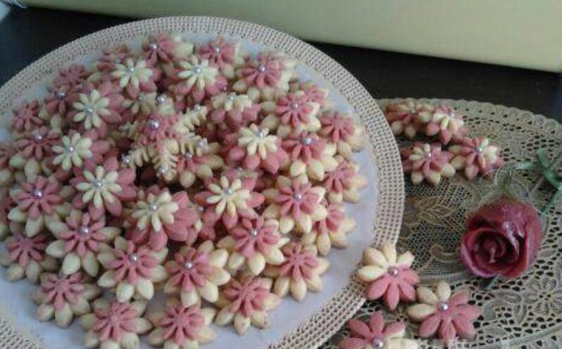 طرز تهیه شیرینی گل مینا