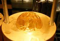 دستگاهی که یخ های الماسی شکل تولید می کند + تصاویر