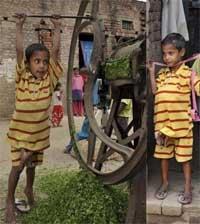 پسری هندی با چهار پا و چهار دست + تصاویر