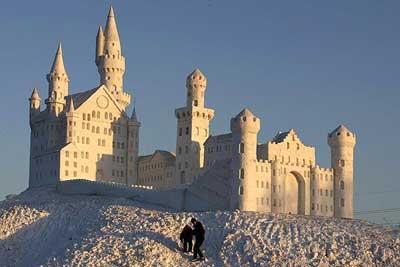 تصاویری بسیار زیبا از بناهای یخی جهان
