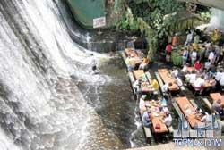 شگفت انگیزترین رستوران فیلیپین را ببینید