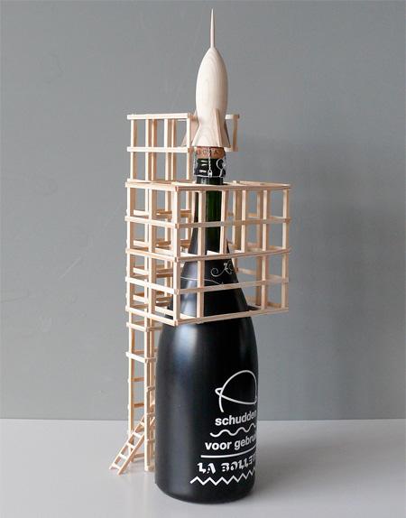 هنرنمایی جالب و دیدنی با بطری های بزرگ