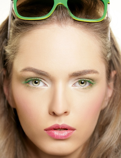 36473633964381444653 عکس مدل های جدید آرایش چشم و صورت آبان 90