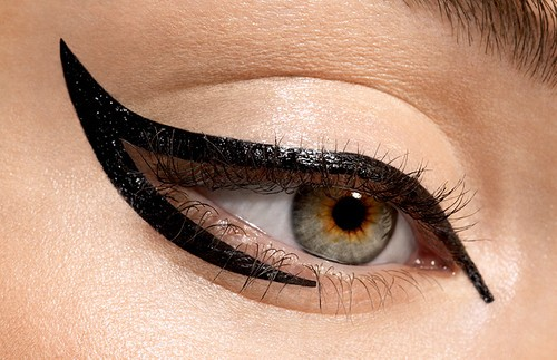51996965436955467804 عکس مدل های جدید آرایش چشم و صورت آبان 90