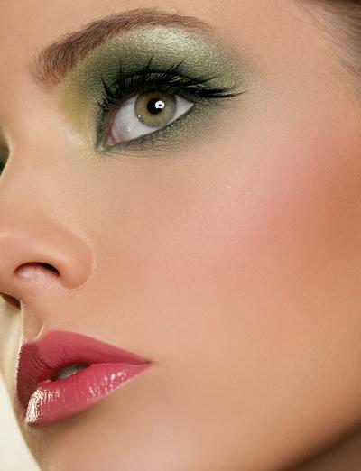 56648357502758153924 عکس مدل های جدید آرایش چشم و صورت آبان 90