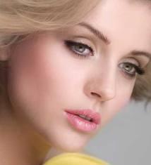 64083018526578318792 عکس مدل های جدید آرایش چشم و صورت آبان 90