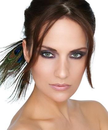 71048609623794292564 عکس مدل های جدید آرایش چشم و صورت آبان 90