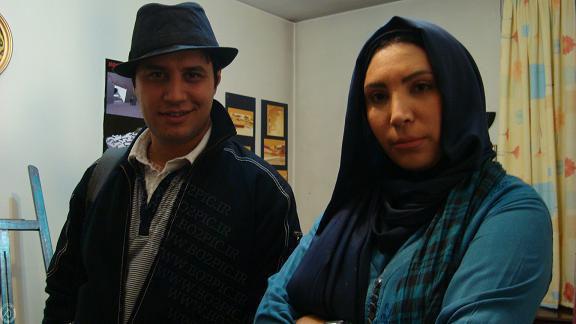 جواد عزتی بازیگر سریال دست بالای دست