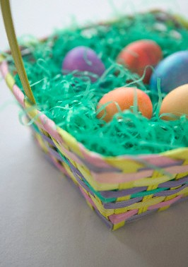 تخم مرغ رنگی سر سفره نوروز