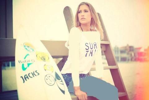 تصاویری از دختر موج سوار ایرانی و قهرمان جهان