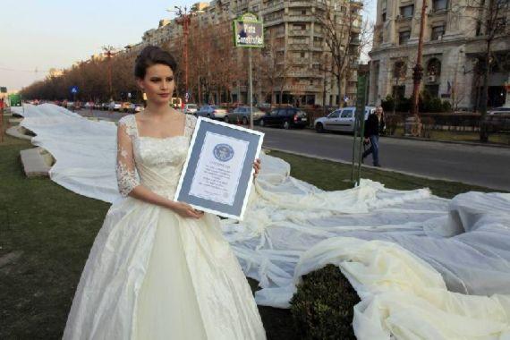 طولانی ترین لباس عروس جهان رکورد زد