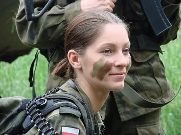 دختر لهستان