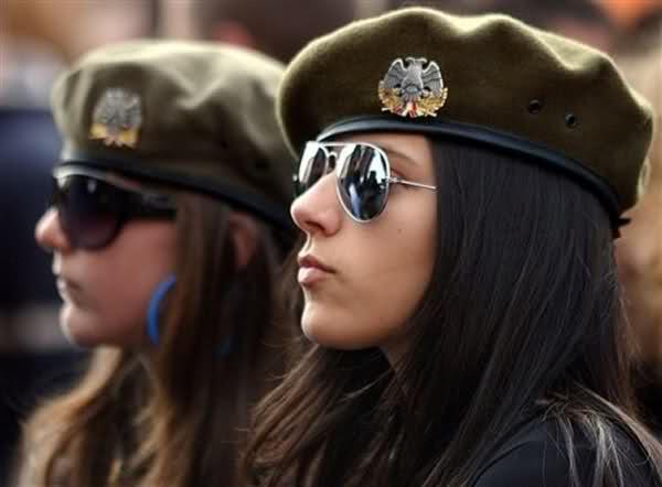 دختر صربستان