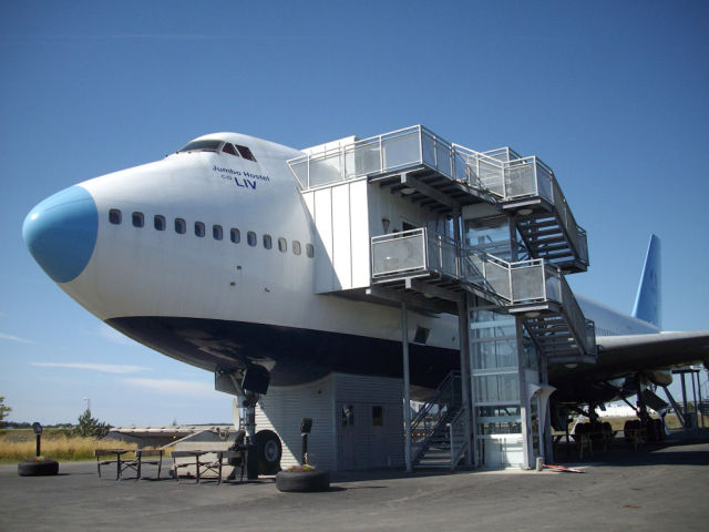 هتلی مجلل در هواپیمای بوئینگ ۷۴۷