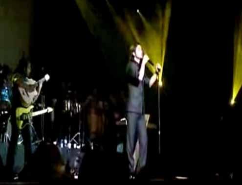 کلیپ ضایع شدن محسن یگانه در کنسرتش