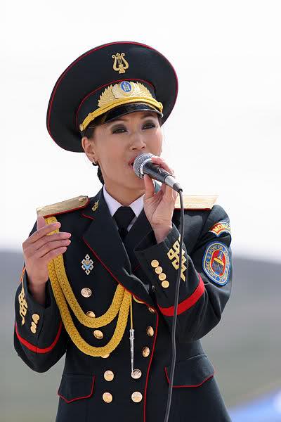 دختر مغولستانی