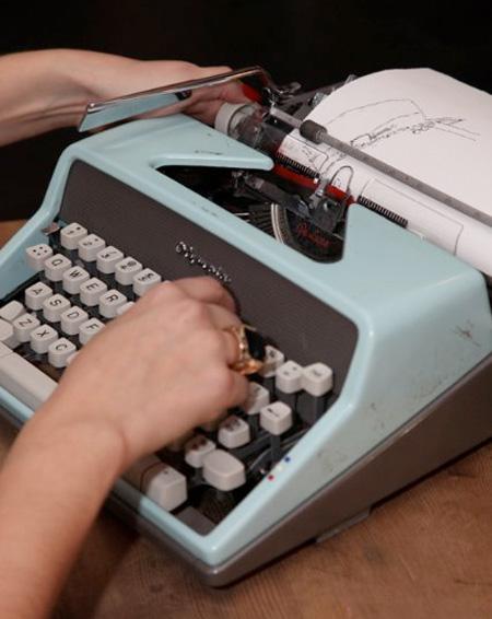 تصاویری از هنر تایپ با ماشین تحریر